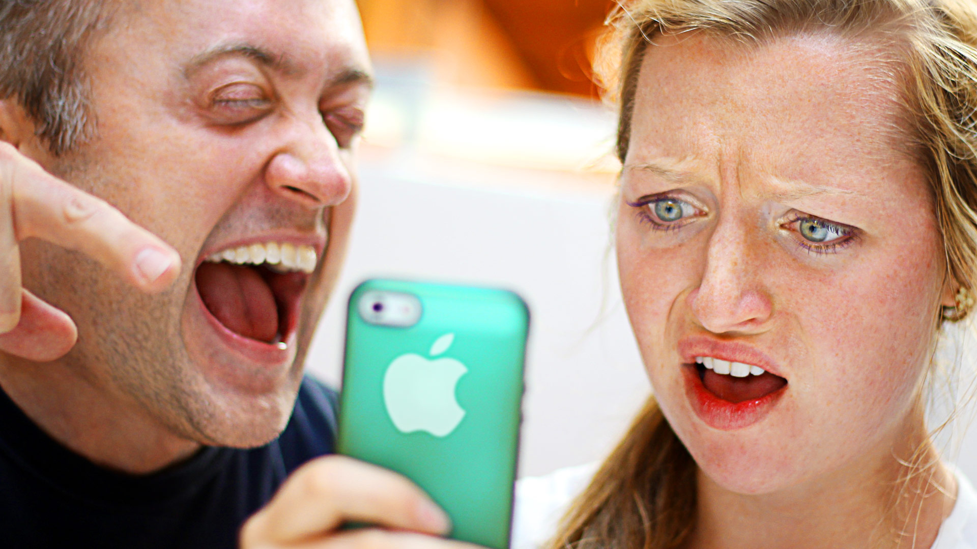 5 Harmless iPhone Pranks To Play On Your Friends
