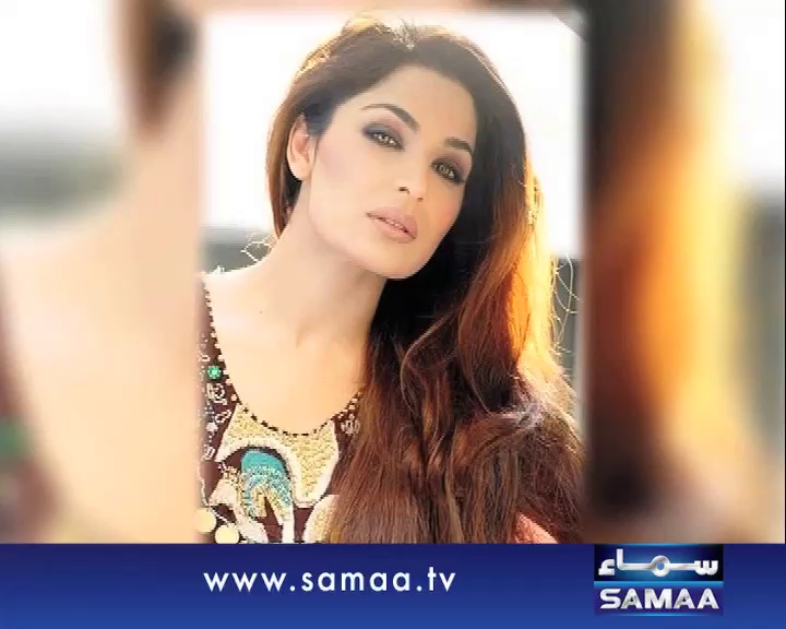Meera spends only Rs.100 per day