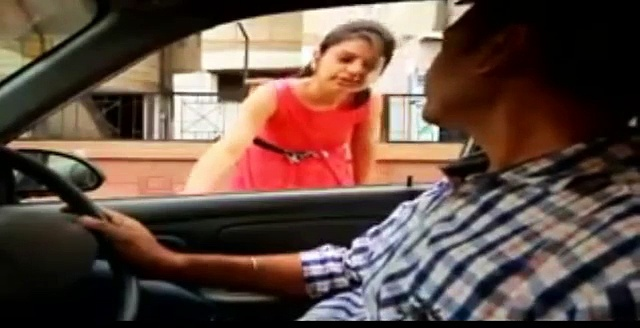 This Woman Does What Every Woman Should Do Before Getting Into A Taxi