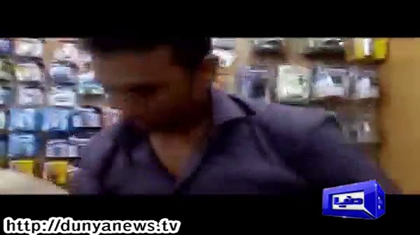 Younis Khan Working As A Shopkeeper In A Mobile Shop A Very Rare Video